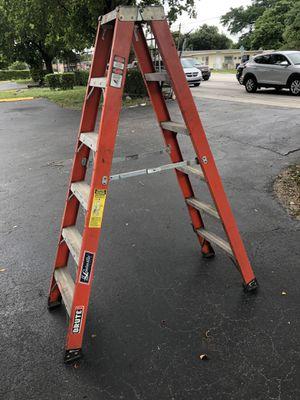 Louisvile 6 ft fiberglass ladder twin step type 1AA 375 lb for Sale in Miami, FL
