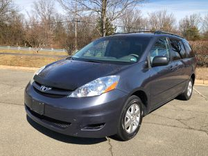 2006 TOYOTA SIENNA LE for Sale in Sterling, VA