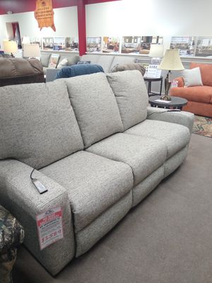 Klaussner luxury Motion Your Way pwr reclining sofa for Sale in Uniontown, PA