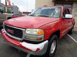 Red truck 2000 model GMC SLE Extended Cab gmc Sierra 1500 Low Miles 5.3L v8 vortec Great Deal for Sale in Dallas, TX