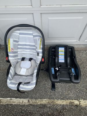 Graco SnugRide SnugLock 30 Infant Car Seat for Sale in Bellevue, WA