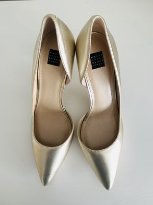 White House Black Market leather heels in gold, size 8 for Sale in Alexandria, VA