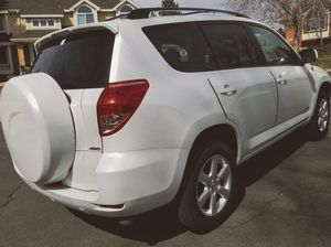 WELL MAINTAINED // Toyota Rav4 for Sale in Boston, MA