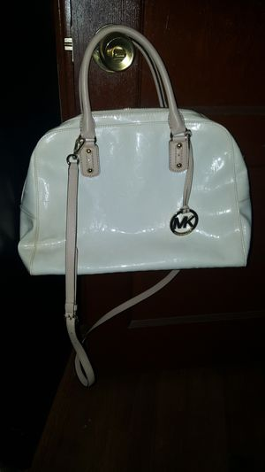 Michael kors purse and wallet for Sale in Grosse Pointe, MI