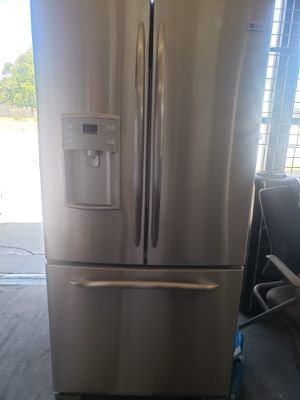 GE Refrigerator Fridge 33 in. Wide Free Delivery #789 for Sale in Ontario, CA