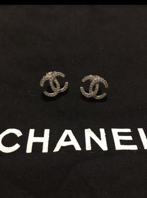 Chanel earrings in 14k gold... 1/2k of diamonds for Sale in Dallas, TX