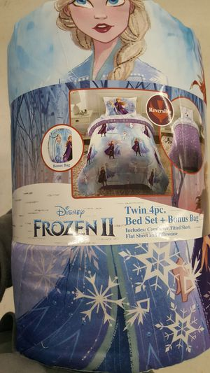 Twin 4 Piece Bedding Set for Sale in Encinitas, CA