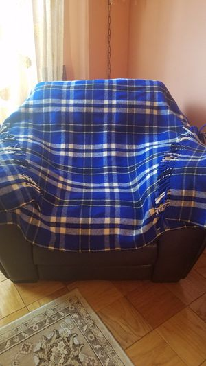 100% Wool blanket. 72in × 53in. Good condition. Can be washed in cold water. for Sale in Queens, NY