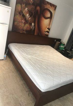 Olea king size bed set for Sale in Miami, FL