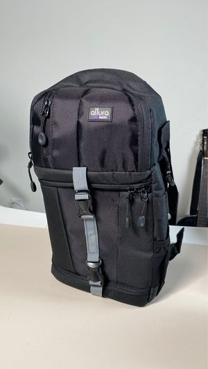 A brand new compact camera bag for Sale in Upland, CA