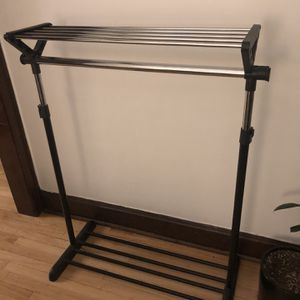 Clothing Rack for Sale in Chicago, IL