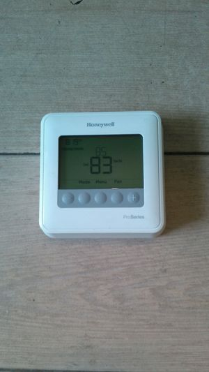 Honeywell programmable thermostat for Sale in Pflugerville, TX