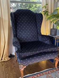 Vintage Wing Back Chair for Sale in Seattle,  WA