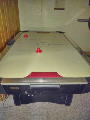 Full size Harvard air hockey table for Sale in Redford Charter Township, MI