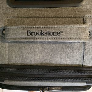 Lightweight/Swivel wheels Brookstone luggage. Used 1X for Sale in Kaneohe, HI