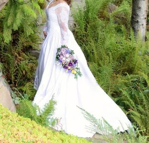 Wedding dress - size 12 for Sale in Wenatchee, WA