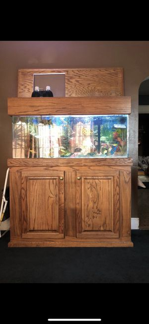 60 gallon aquarium tank for Sale in Bell Gardens, CA
