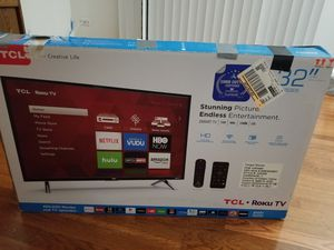 Tcl roku tv 32 inch for Sale in Des Plaines, IL