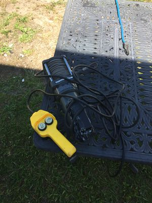 Tow winch 1500lb for Sale in Town 'n' Country, FL