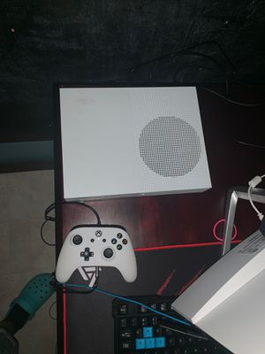 Xbox one S with 2 controllers for Sale in Decatur, MS