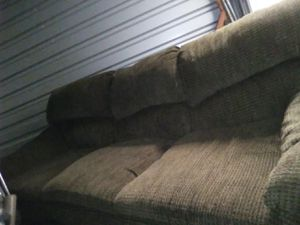 Nice couch for Sale in Woodburn, OR