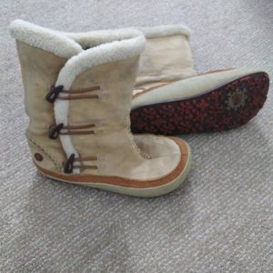 Merrell Woman's Boot 6.5 (Fits 7-7.5 Too) for Sale in Las Vegas, NV