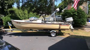 16 foot excellent fishing boat for Sale in New Bedford, MA