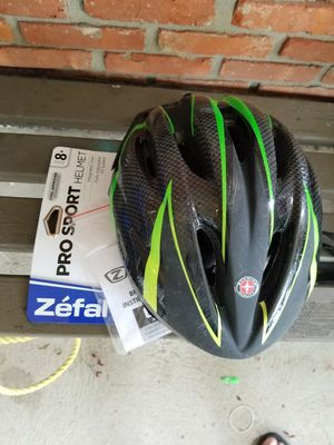 Boys schwinn bike helmet for Sale in Moreland Hills, OH