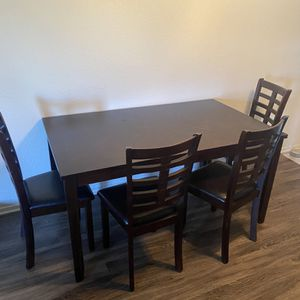 Table With 6 Chairs for Sale in Hanford, CA