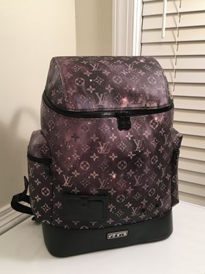 Louis Vuitton Alpha Backpack for Sale in Decatur, GA