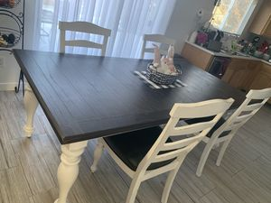 Farmhouse style dining table (price is firm) for Sale in Aurora, CO