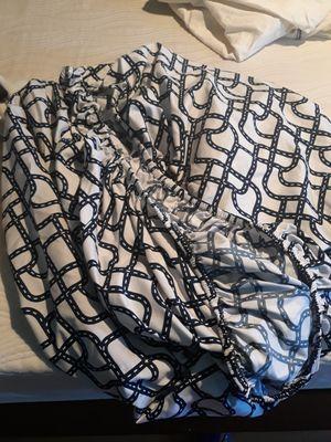 Cubre cama twin cama pequeña gratis for Sale in Los Angeles, CA