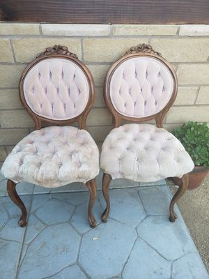 2 chairs for Sale in Lake Elsinore, CA