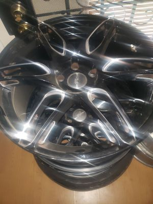20 inch rims...need 2 tires fits 2010 camaro for Sale in Beaumont, TX