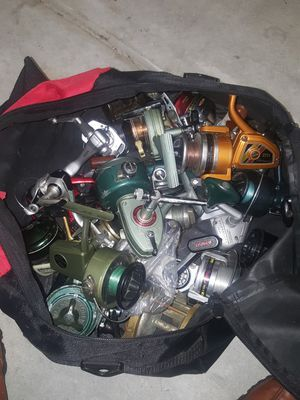25 Fishing Reel Lot for Sale in Raleigh, NC