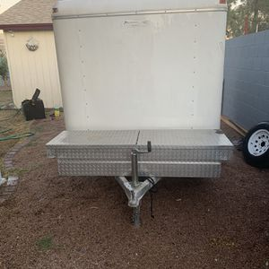 2005 Enclosed Trailer 10'x6' for Sale in Gilbert, AZ