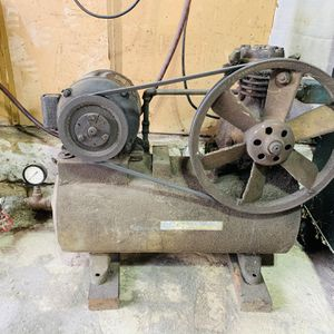 Antique air compressor **STILL WORKS** for Sale in Trenton, NJ