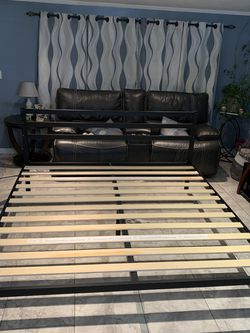 Bed Frame for Sale in North Bend,  WA