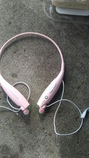 Polaroid bluetooth headphones for Sale in Auburn, WA