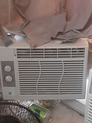 Small window ac {contact info removed} for Sale in Fresno, CA