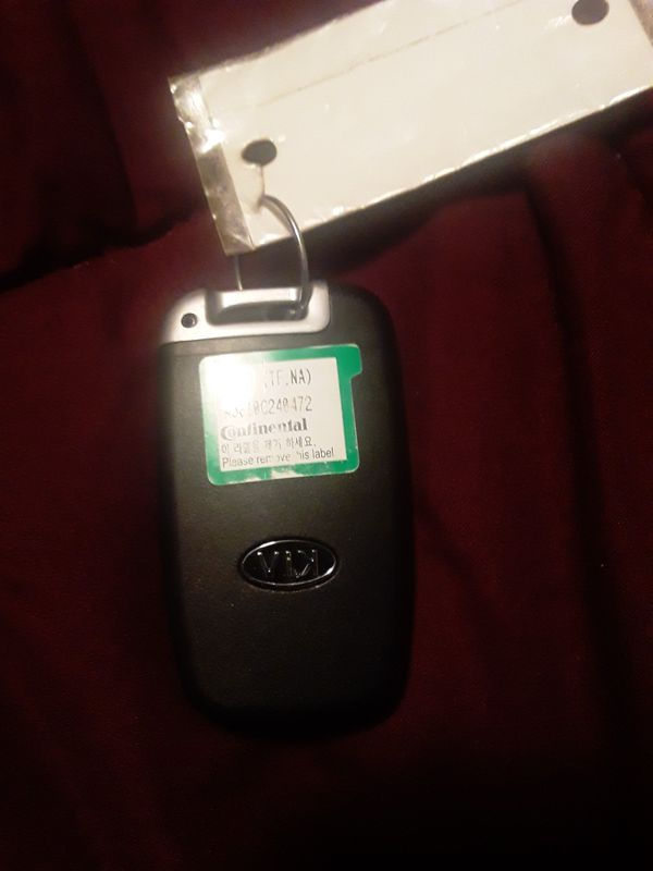 2011 Kia Optima remote and key
