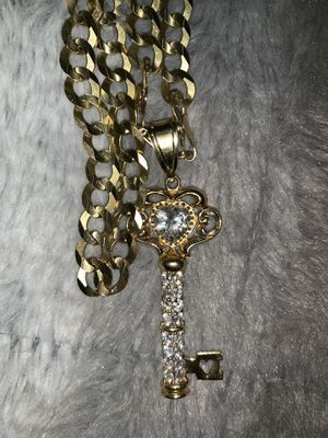 Cubans link men's chain with charm 3,000 or best offer do not low ball me I paid a lot of money for this necklace anything under 2, I will not answer for Sale in West Hartford, CT