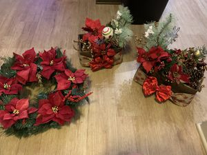 Christmas decor center pieces and wreath for Sale in Rockville, MD
