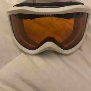 Roxy Snow Goggles for Sale in Los Alamitos, CA