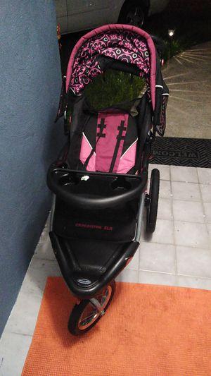 3 wheel baby tread stroller for Sale in Alafaya, FL