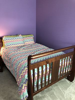 Full size convertible crib bed for Sale in Houston, TX