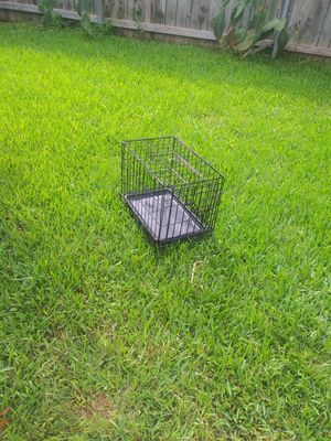 Small dog crate for Sale in Niederwald, TX