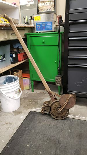 THE ACE LAWN TRIMMER for Sale in Auburn, WA