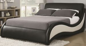Queen platform bed frame for Sale in Elgin, IL