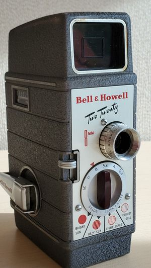 Vintage Bell & Howell model twenty two 8 mm for Sale in Tampa, FL